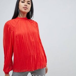 NWT  ASOS DESIGN red crinkle blouse